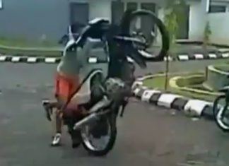 video-superman-en-moto