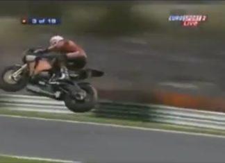 motos-pista-volando